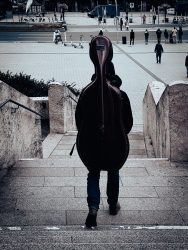 Roger: laufendes Cello