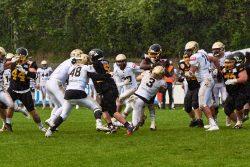 Ulrike - Regen beim Football -Bulldozer VS Dolphins